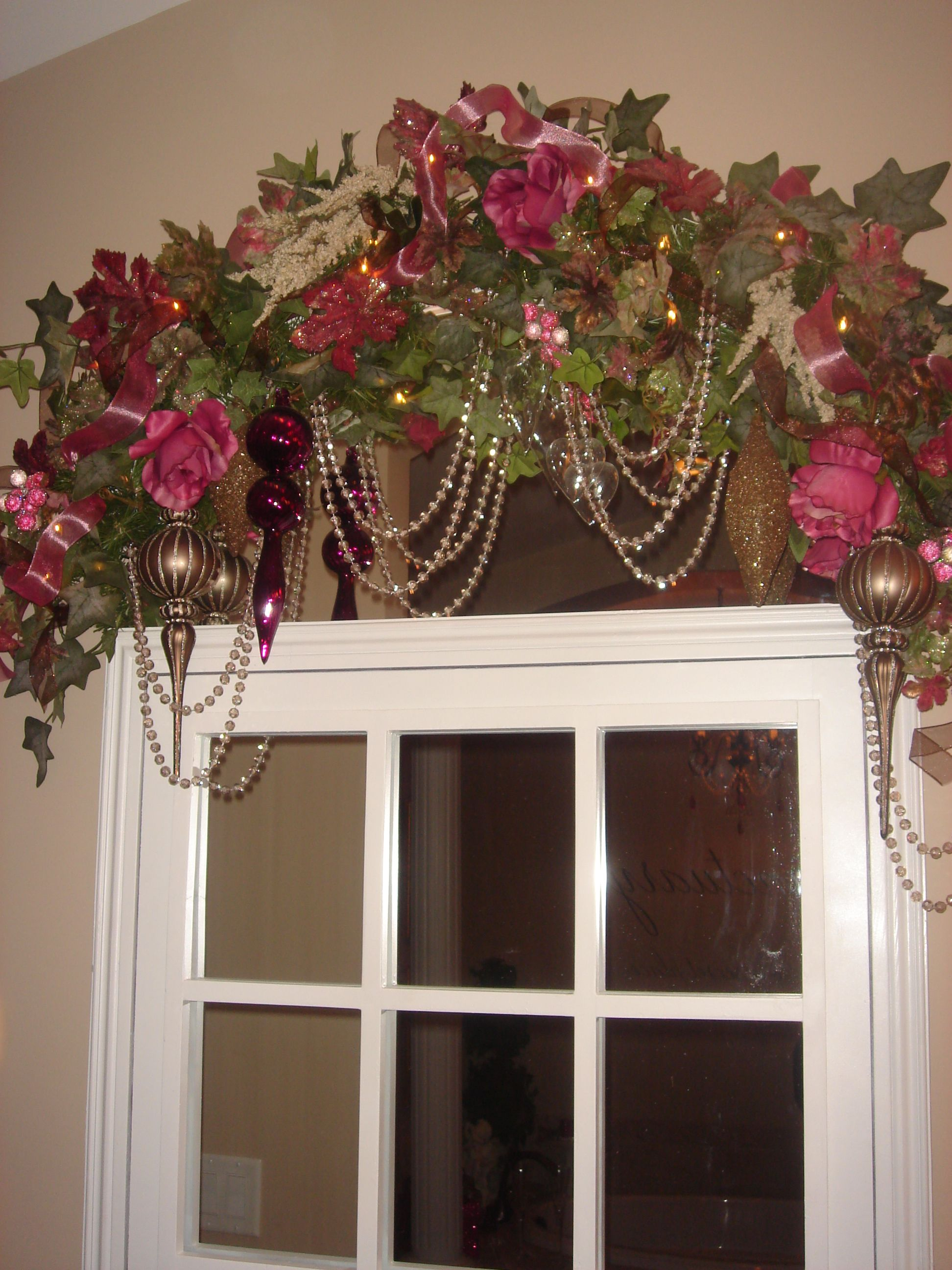 Pin By Connie J On Christmas Decorating Christmas Swags Christmas Interiors Diy Christmas Garland Mantle