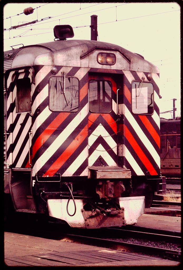 Penn Central Rdc Railroad Photography Diesel Cars Train