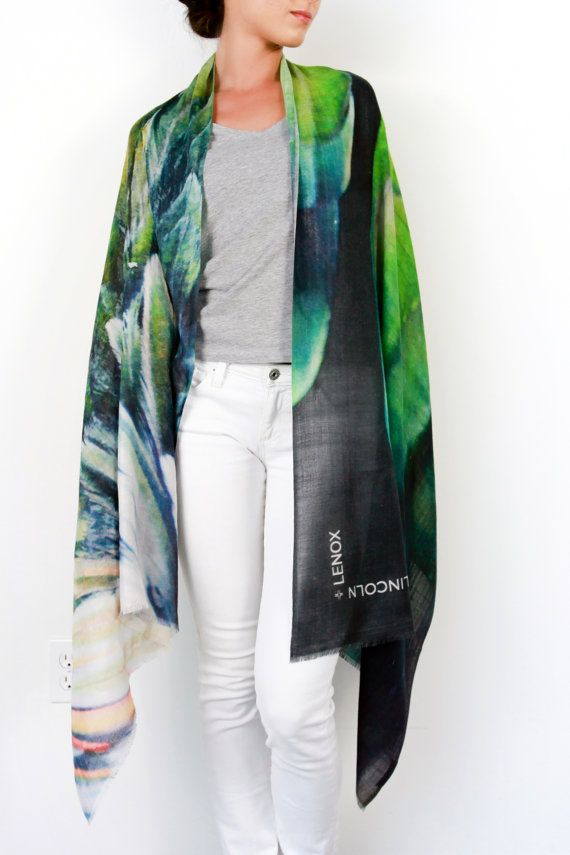 LINCOLN + LENOX #lincolnandlenox #scarf #luxury #cashmere #shawl #stole #fashion #womensfashion #style #ootd #travel #culture #art #boutique #designer #wanderlust #winter #summer #spring #gift #accessories #photography #green #animal #peacock #bird #feather #exotic #trendy #amandajulca #frederikamay #krysiamezger #blogger #fashionblogger #lifestyle