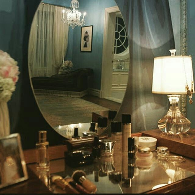 Schon Blair Waldorf Zimmer, Schlafzimmertisch, Schlafzimmer Ideen, Schminktisch,  Umkleideräume