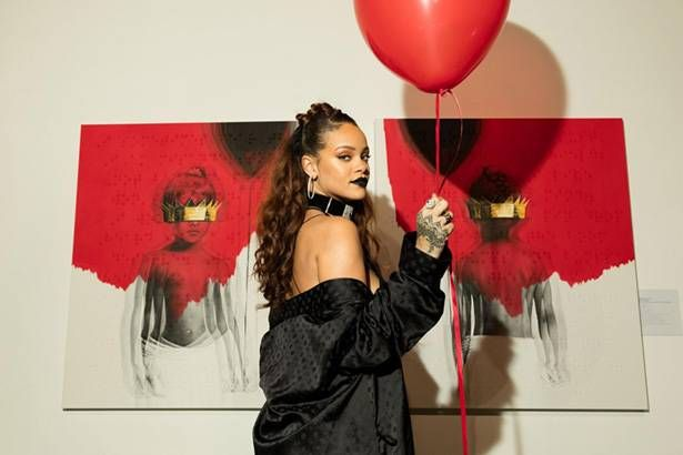 Imagem: Encontro com Rihanna é leiloado por 15 mil dólares