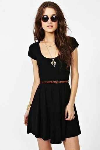 414de14899 Vestido negro corto con cinturon cafe