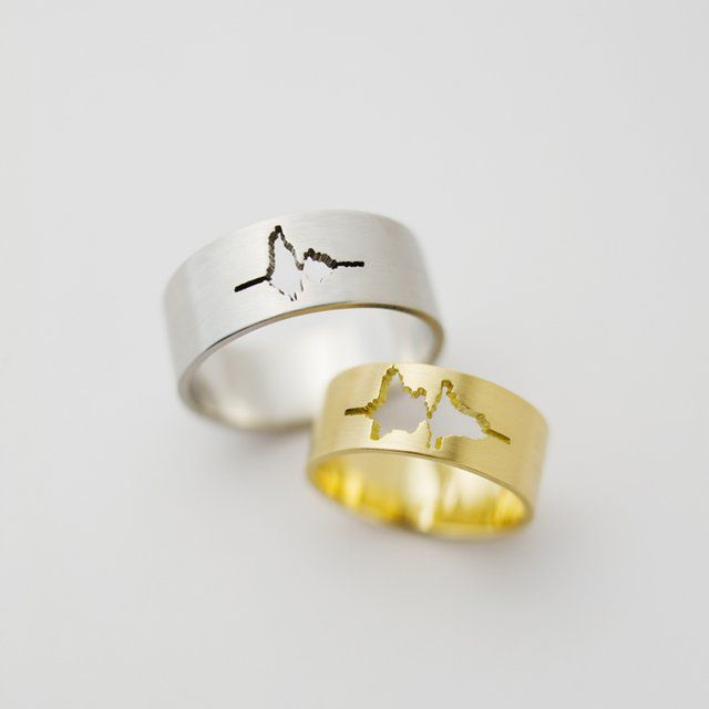 wedding rings made with sound waves of your spouse saying i - Creative Wedding Rings