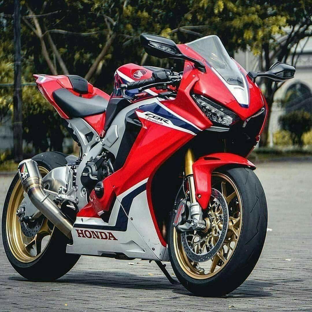 Honda Cbr1000rr R Superbike 2020 Photos Honda Cbr 1000rr Honda Cbr Honda Fireblade