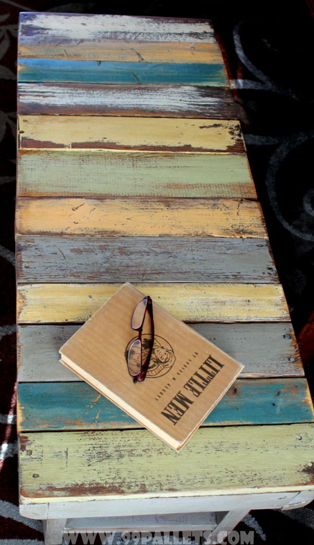 Superior DIY Bench Made From Wooden Pallets Tutorial