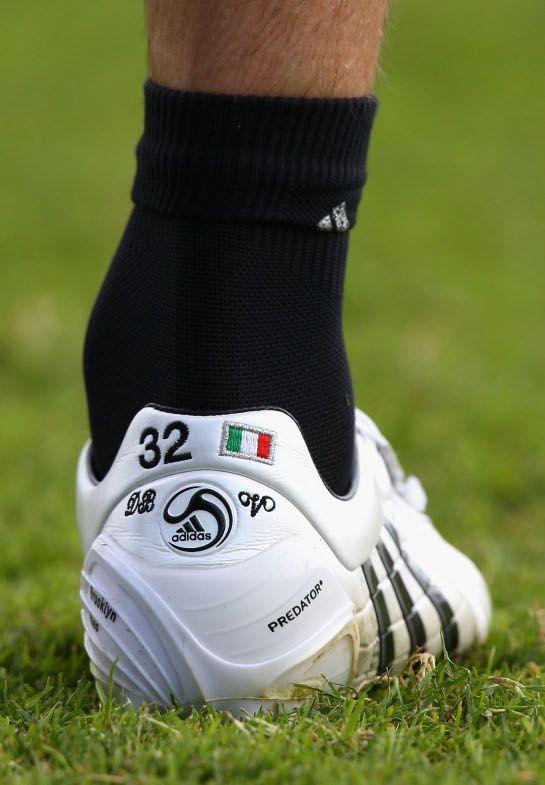 7a2a236433a DAVID BECKHAM S CUSTOMISED MILAN PREDATOR FOOTBALL BOOTS