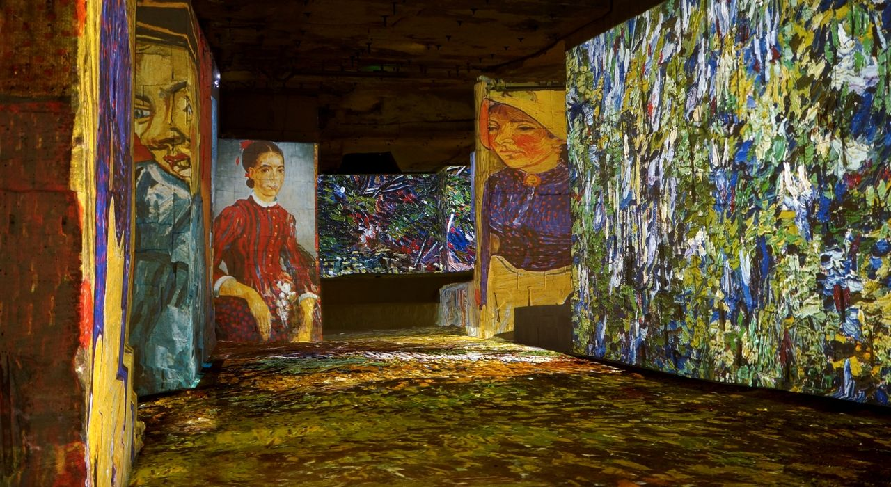 Carrieres De Lumieres Site Officiel Gerees Par Culturespaces In Provence France Amazing Must See Carriere Lumiere Cathedrale