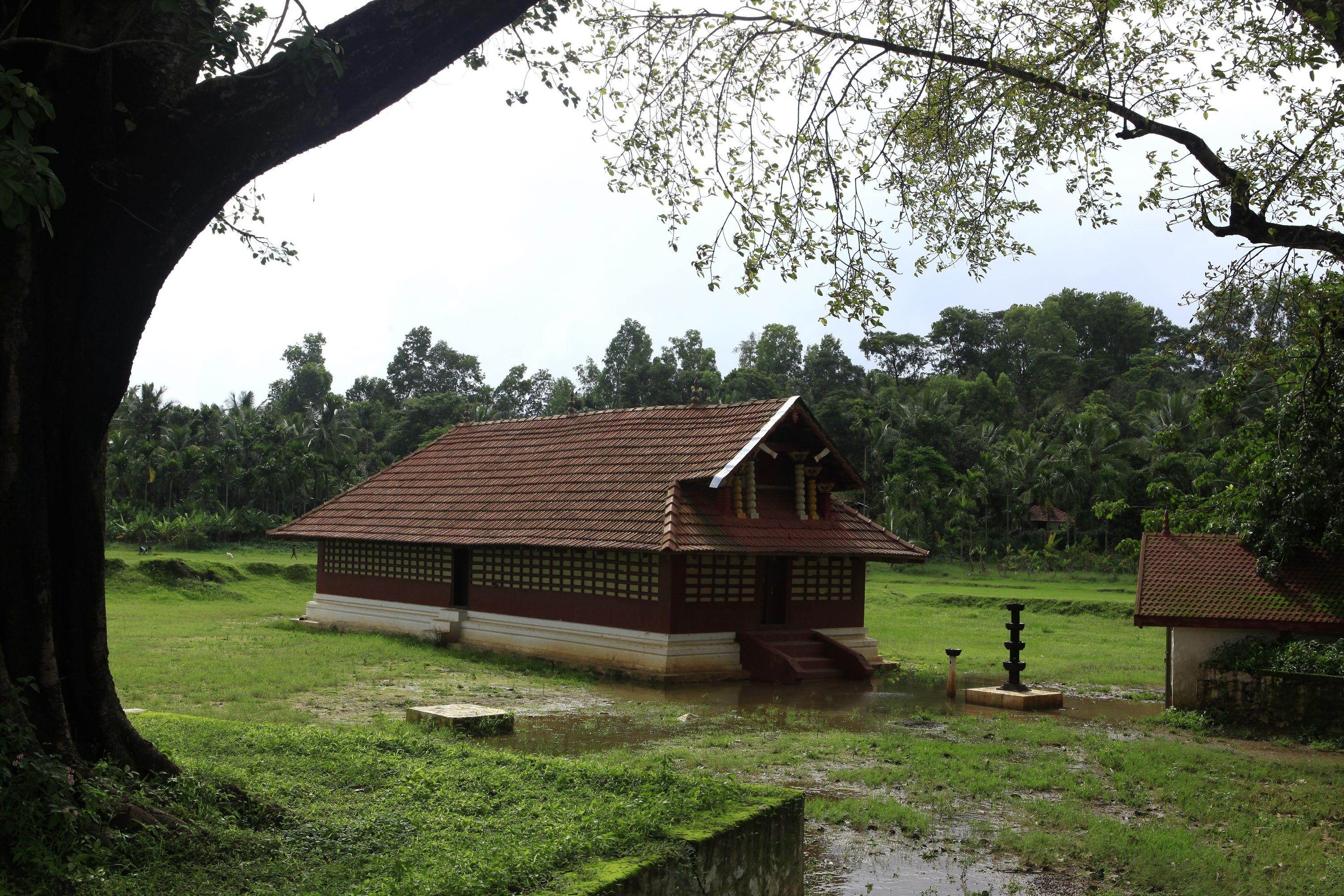 Valliyurkkavu Kerala With Images Kerala Houses Kerala