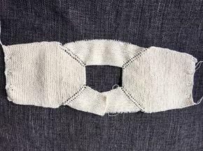 Es una preciosa chaquetita de talla 0 3 meses. Está tejida con algodón de 9c9432a78c8