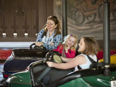 Der Autobahn! Enjoy the timeless bumper cars family fun that has been a favorite among amusement park rides for generations.