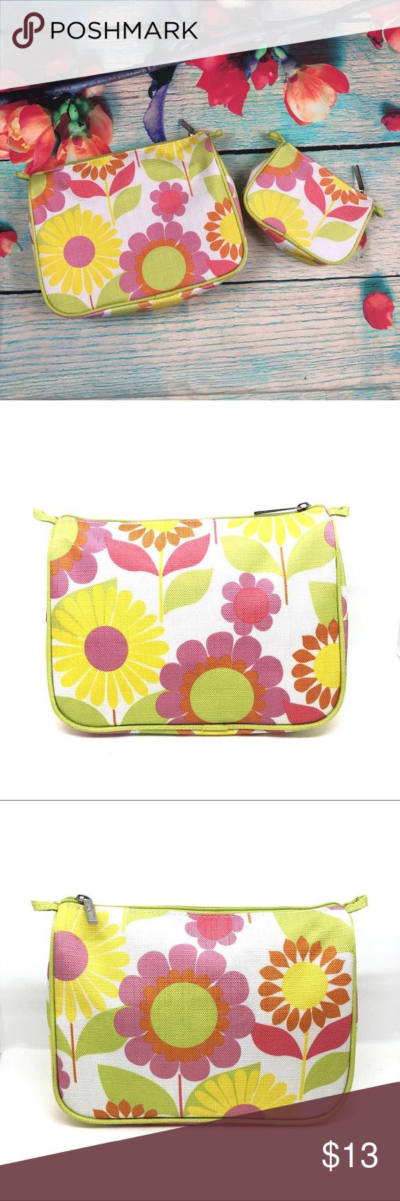 Clinique Flower Makeup Bag Set This Is A Cute Flower Bag Set This
