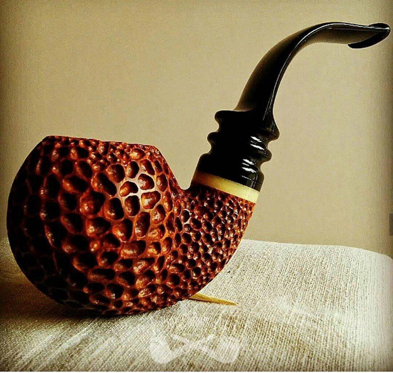 для телефона картинка с курительной трубкой ты, общительный зажатый