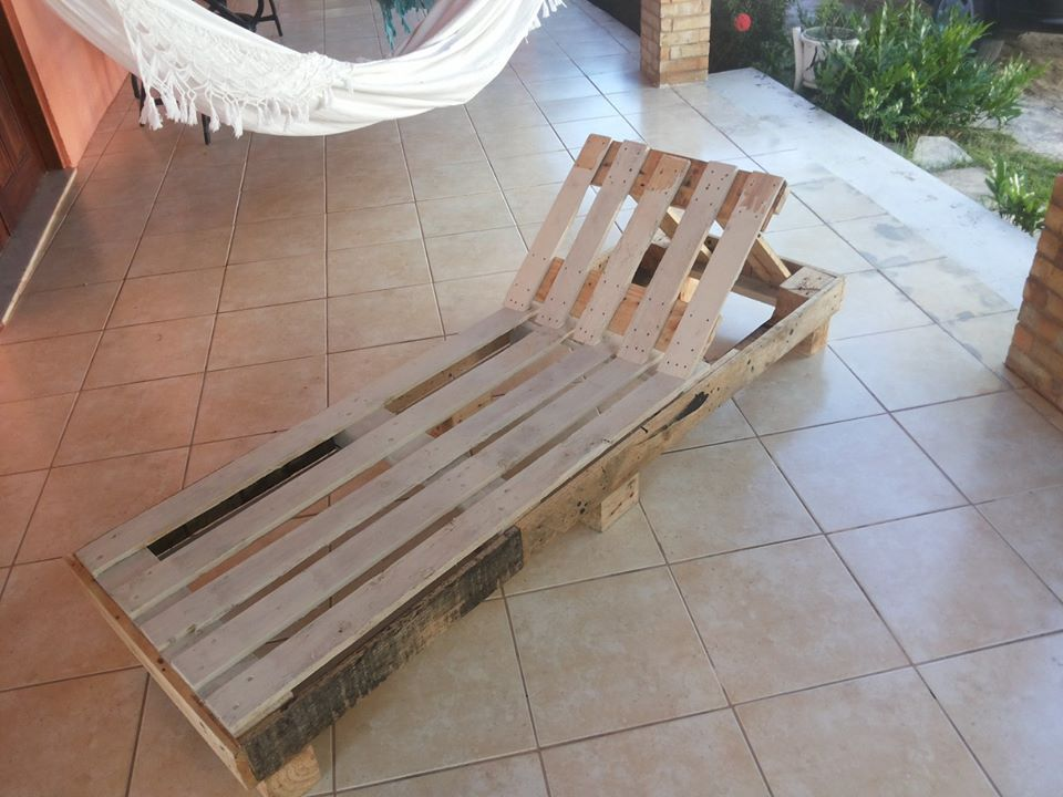 Lounge Chairs Made From Pallets   99 Pallets