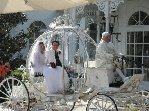 Way To Roll In Style On Your Wedding Day Dreamsduecometrue Cinderella Carriagecinderella