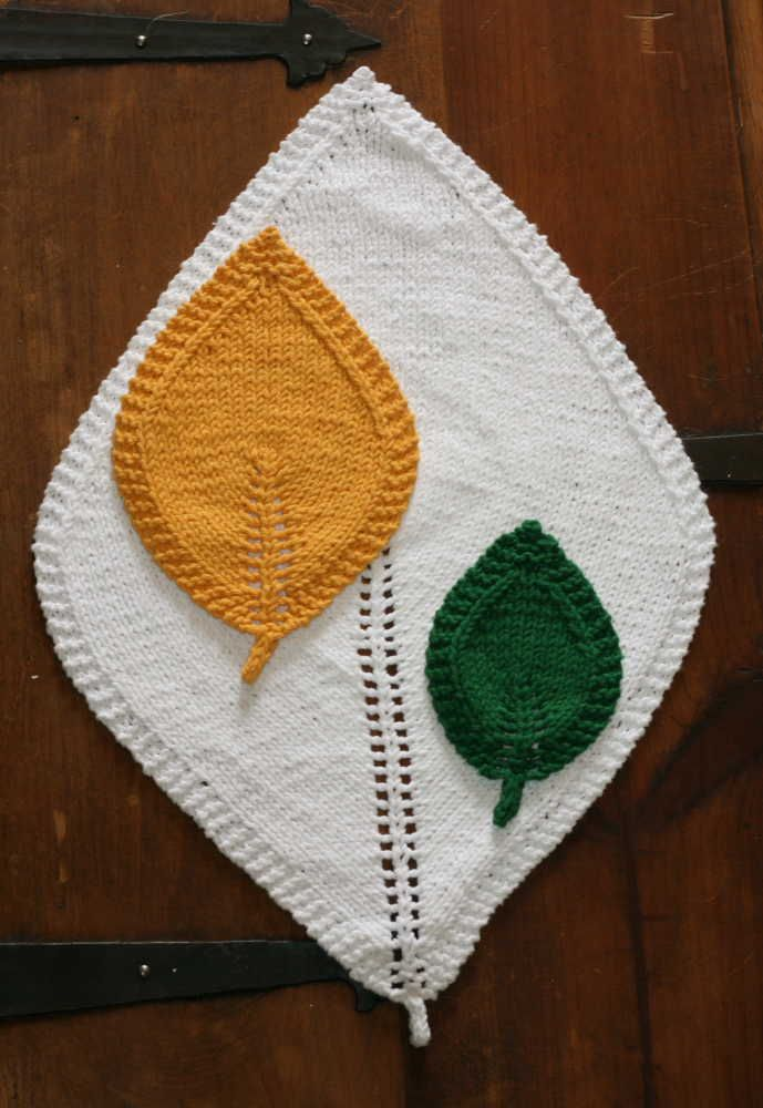 A Knit Leaf In Three Sizes | Coasters, Leaves and Free pattern