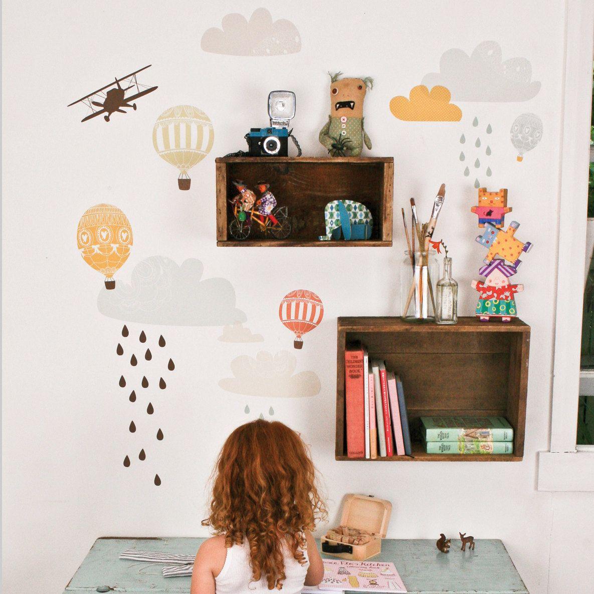 Un coin créatif | Plumetis, Rangement des jouets et Idées de rangement
