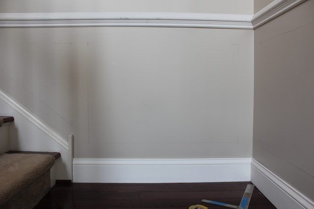 Ehow How To Videos Articles More Discover The Expert In You Dining Room Wainscoting Wainscoting Styles Wainscoting Kitchen