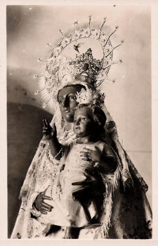 Nuestra Señora de Peña de Francia  The statue of Our Lady of Peña de Francia in Salamanca, Spain.