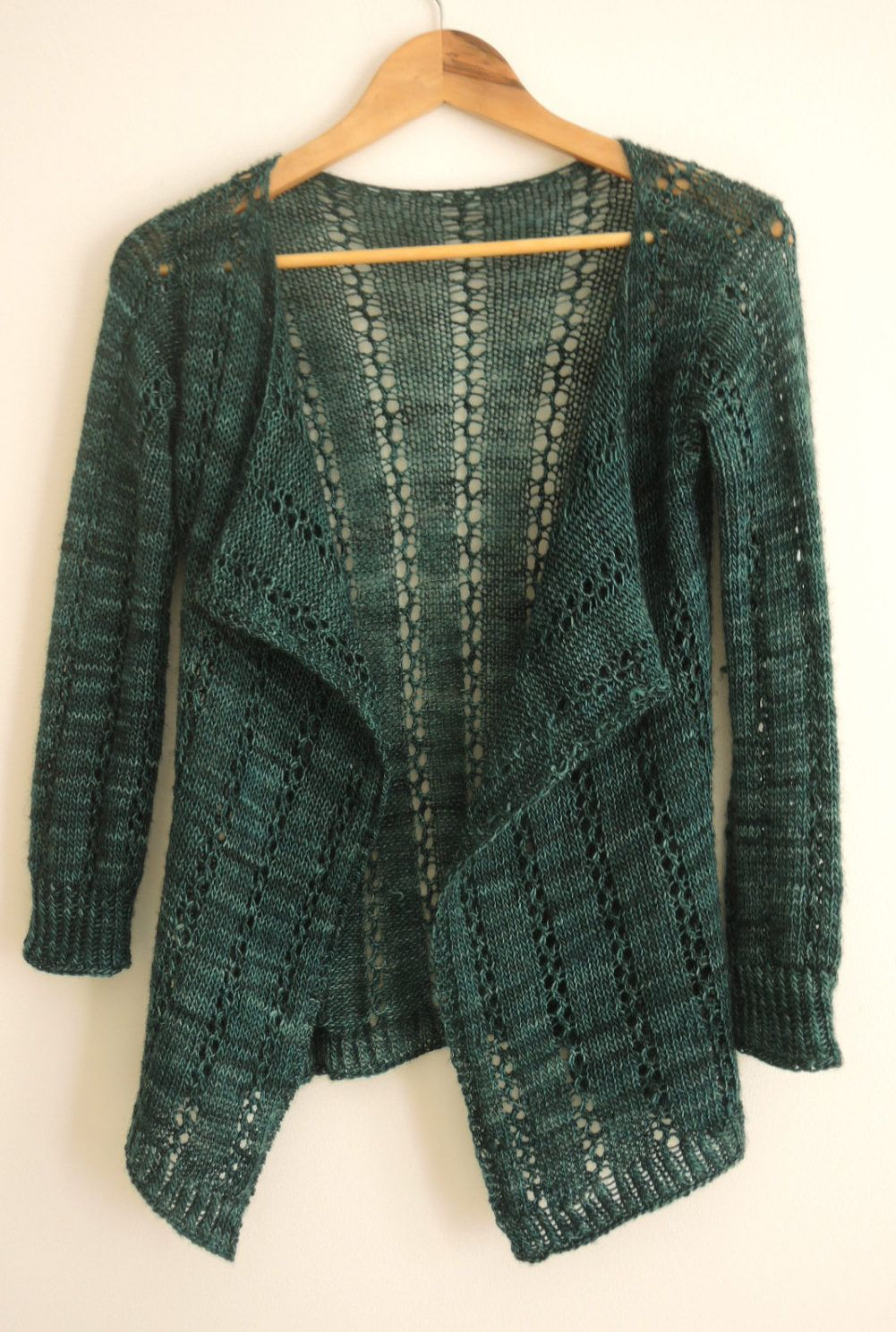 Knitting pattern for 4 row repeat lace cardigan queens park knitting pattern for 4 row repeat lace cardigan queens park cardigan this draped front cardigan bankloansurffo Image collections
