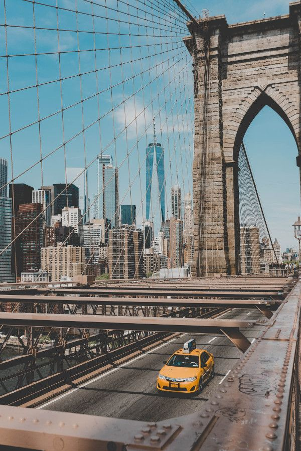 Brooklyn Bridge, NYC. Read this article and discover a perfect NYC 3-day itinerary by a local. #nyc #usa #newyorkcity #nycguide #nycitinerary #nyctraveling #usatraveling #travelguide