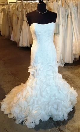Justin Alexander 6252: buy this dress for a fraction of the salon price on PreOwnedWeddingDresses.com