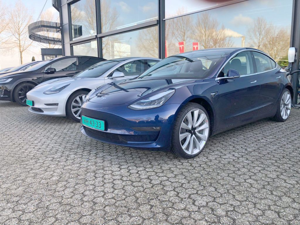 Tesla Model 3 Spotted Charging Via Ccs Port In Netherlands Air