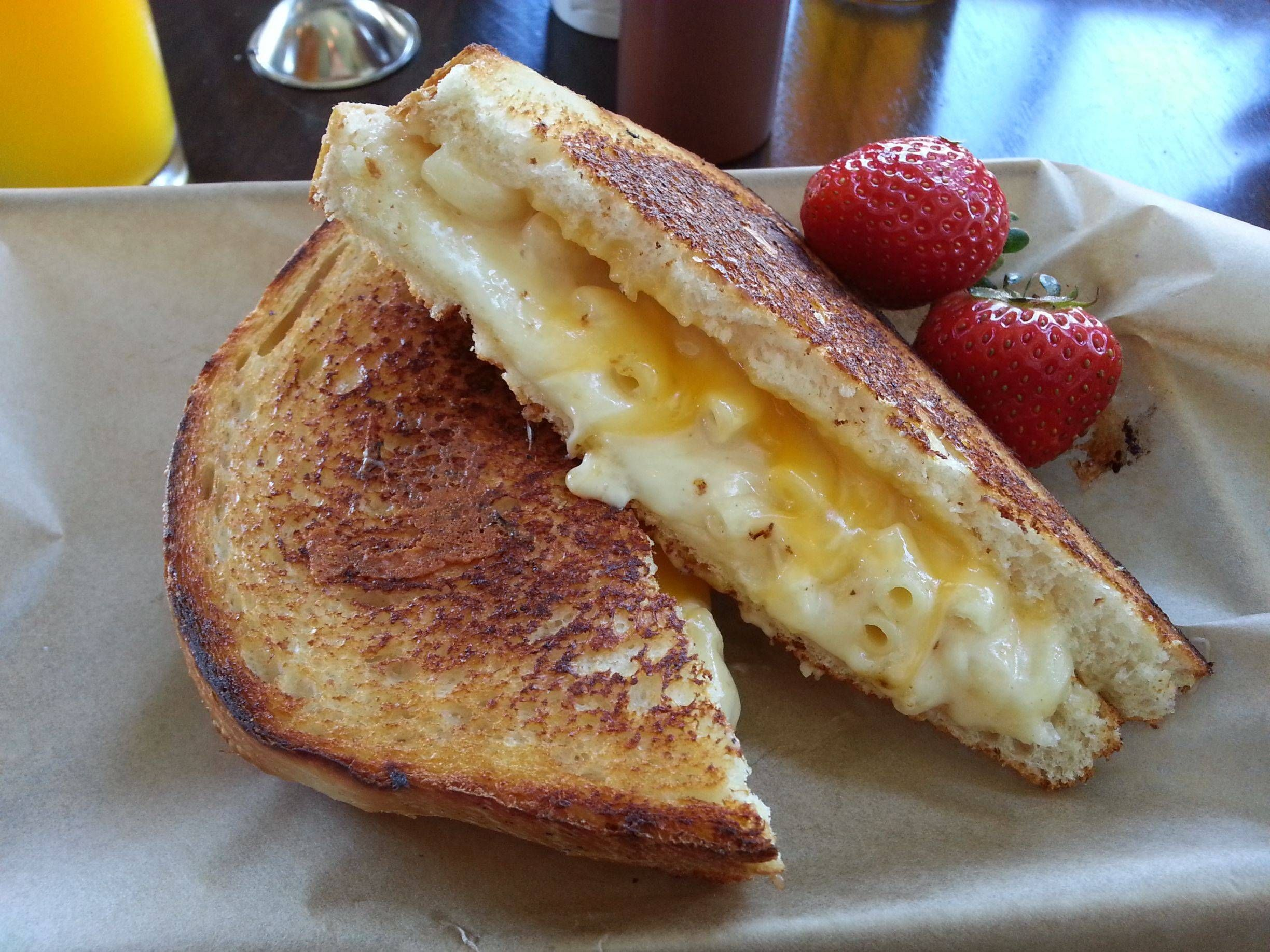 Mac N Cheese Grilled Cheese from The American Grilled Cheese Kitchen ...