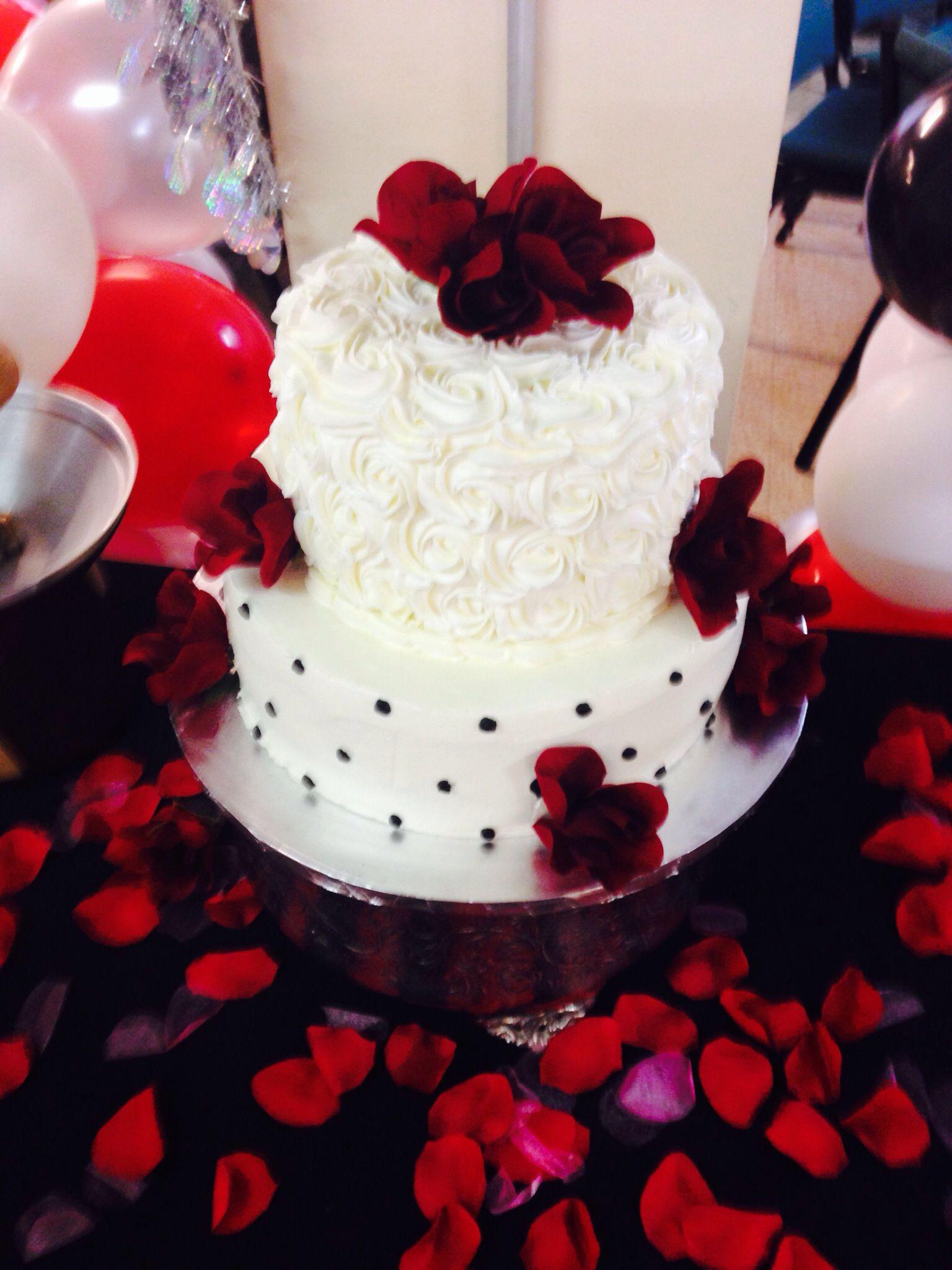 2 Tier Vanilla Wedding Cake Theme Redblackwhite D3 By Linda