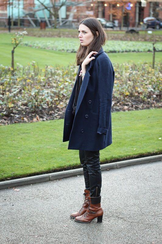 Flames & Desires: Outfit: Faux leather Pants und rosa Details