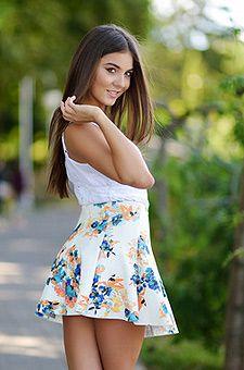 Hot Ukrainian girls: style, flirtation and burning appearance.