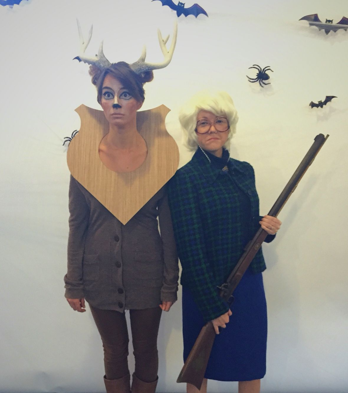 DIY Couples or Friends costume. Taxidermy deer head and Hunter  sc 1 st  Pinterest & DIY Couples or Friends costume. Taxidermy deer head and Hunter ...
