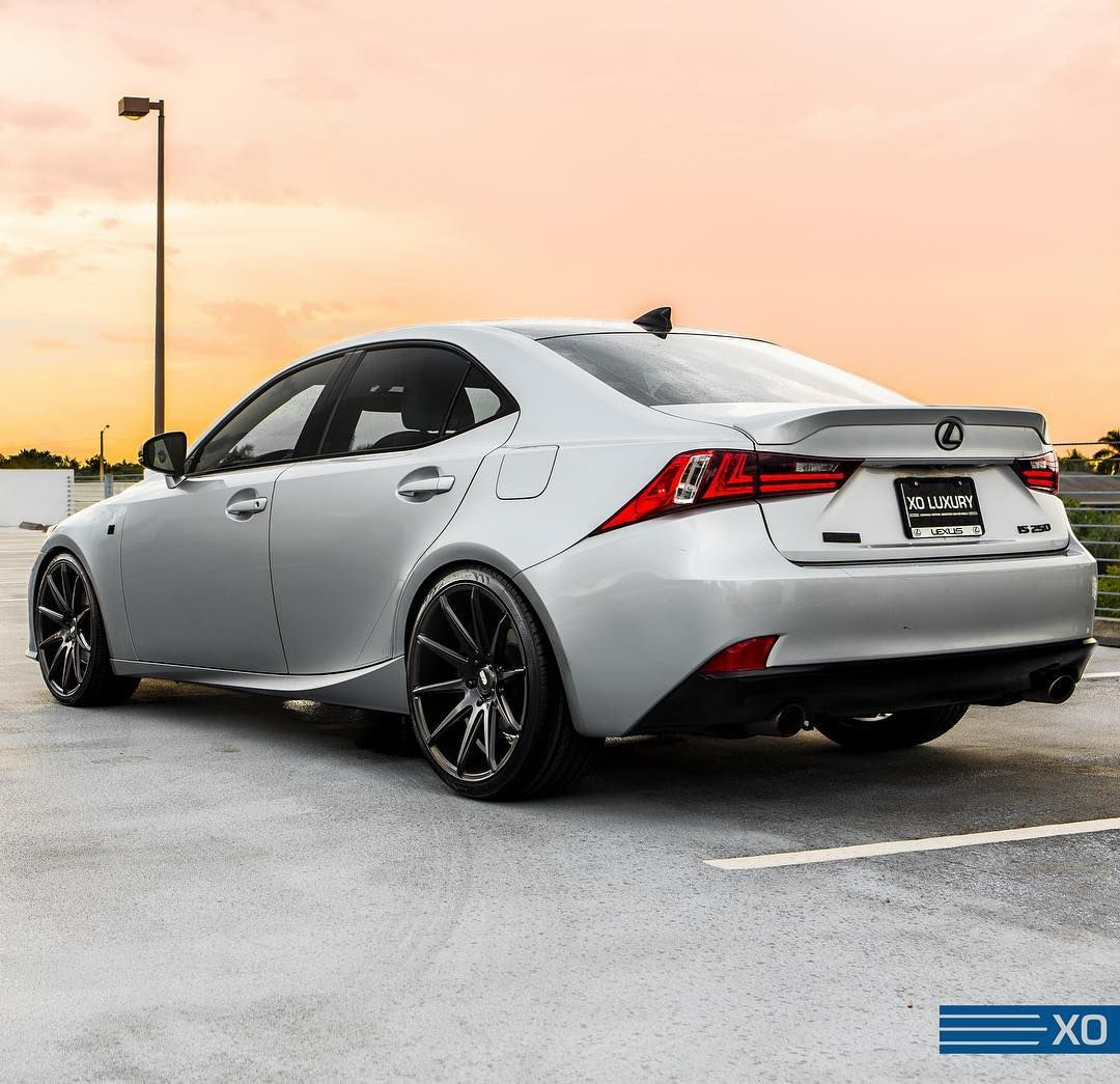 Suitably Clean And Sharp @__juds #lexus #lexusis #luxury