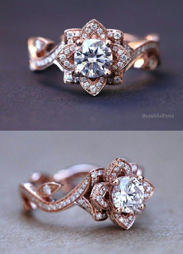 Beautiful ring. Mooie bloemen vorm