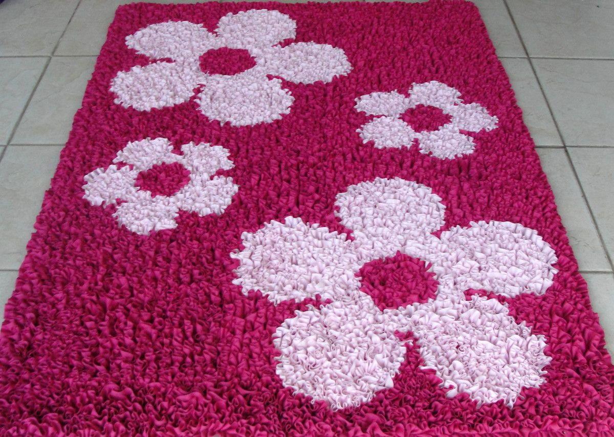 Tapete Com Flores Confeccionado Em Tecido Brim Cr Tnt E Malha  -> Tapete Frufru De Flor
