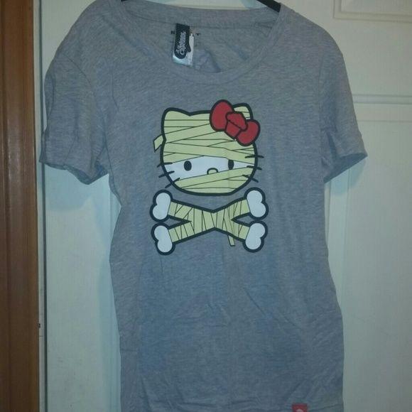 Limited edition hello kitty johnny cupcake t Limited edition hello kitty johnny cupcake t Worn once Halloween  Mummy kitty Hello Kitty Tops