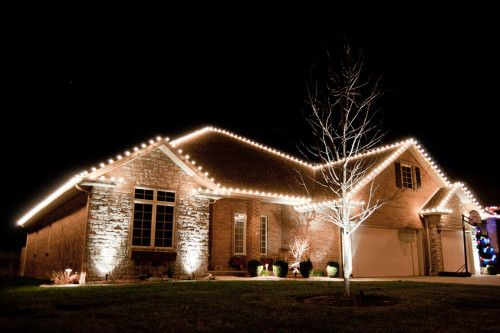 Stay safe this holiday season hire a pro to hang your lights- Creative Outdoor & Stay safe this holiday season hire a pro to hang your lights ...