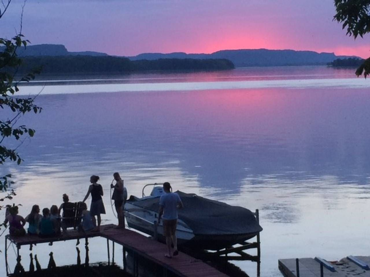 Sunsets On The Edge Cottages For Rent In La Crosse La Crosse Adventure Is Out There Sunset