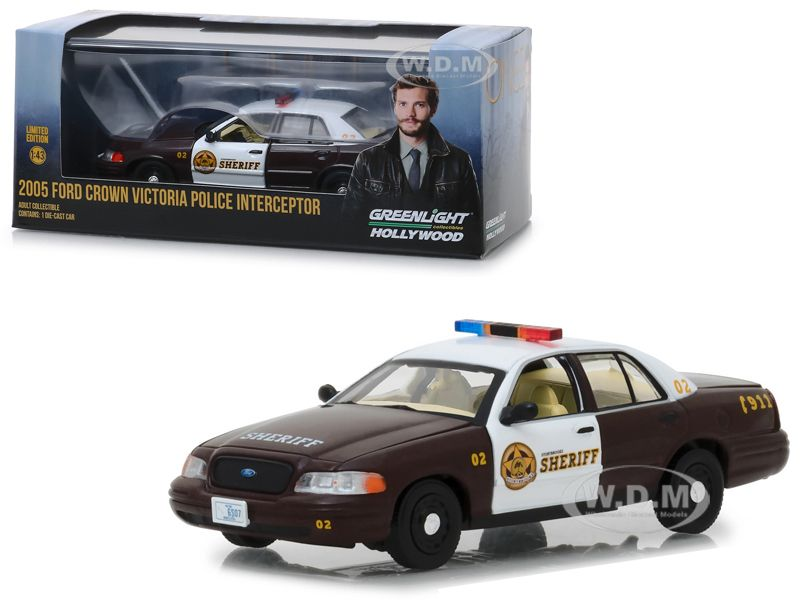 2005 Ford Crown Victoria Police Interceptor Storybrooke Sheriff Graham S From Once Upon A Time 2011 Tv Series 1 43 Diecast Model Car By Greenlight In 2020 Victoria Police Diecast Model Cars Interceptor