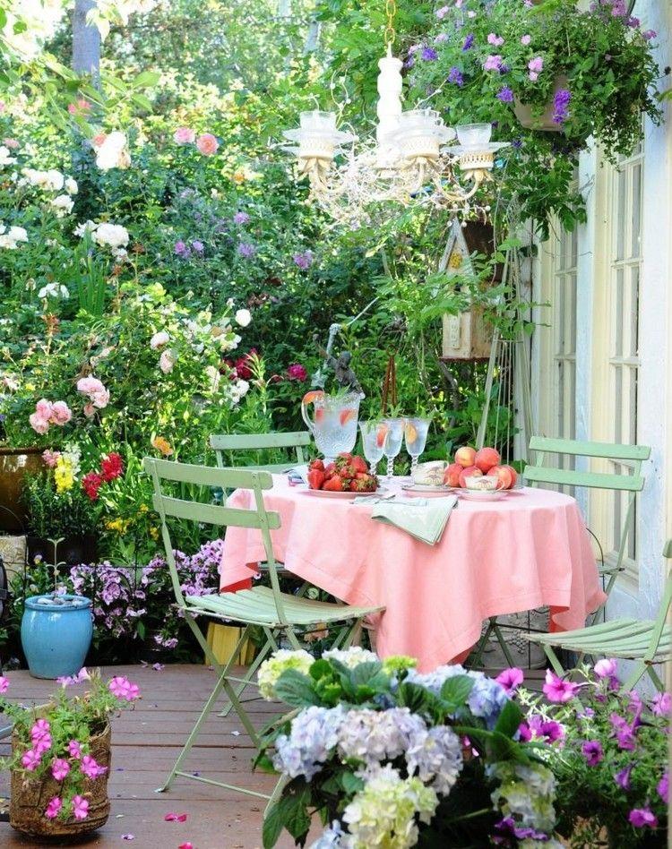jardin d\'ornement multicolore, mobilier en métal gris menthe ...