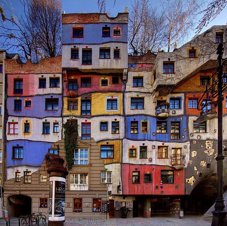 Hundertwasser House Vienna, Austria   Hundertwasser architecture, Friedensreich hundertwasser, Hundertwasser