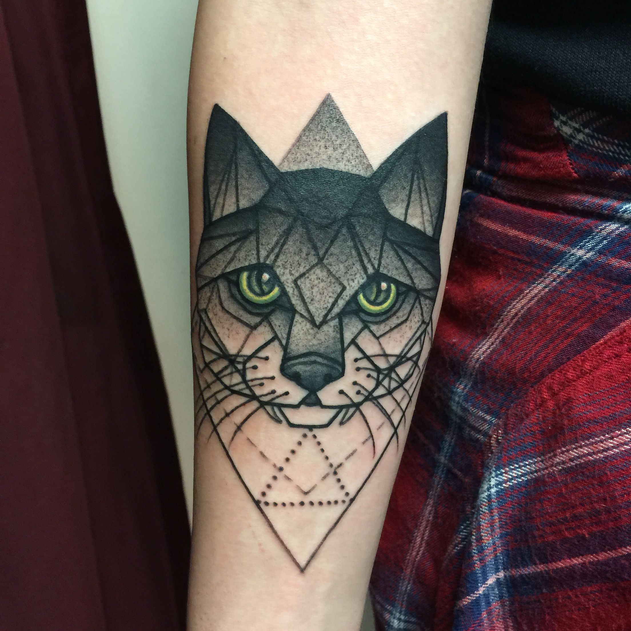 Black Cat Tattoo Tattooed By Noelle Lamonica Divine Machine Tattoo Geometric Cat Tattoo Black Cat Tattoos Geometric Tattoo