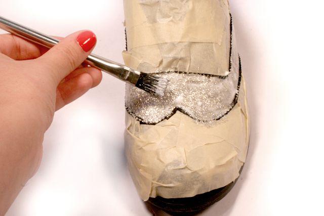 I Spy DIY Metallic Oxfords  http://www.ispydiy.com/2011/03/i-spy-dolce-gabbana-metallic-oxfords.html