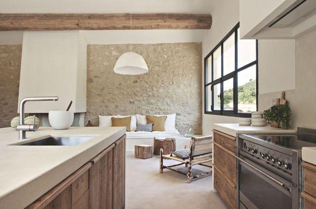 Maison de famille dans Sud de la France Design, Fils et Espaces - deco maison cuisine ouverte