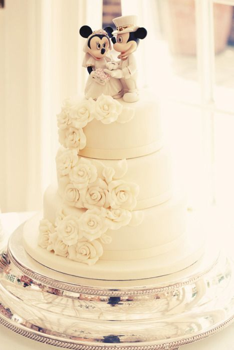Mickey and Minnie Wedding Cake   My future Disney wedding ...
