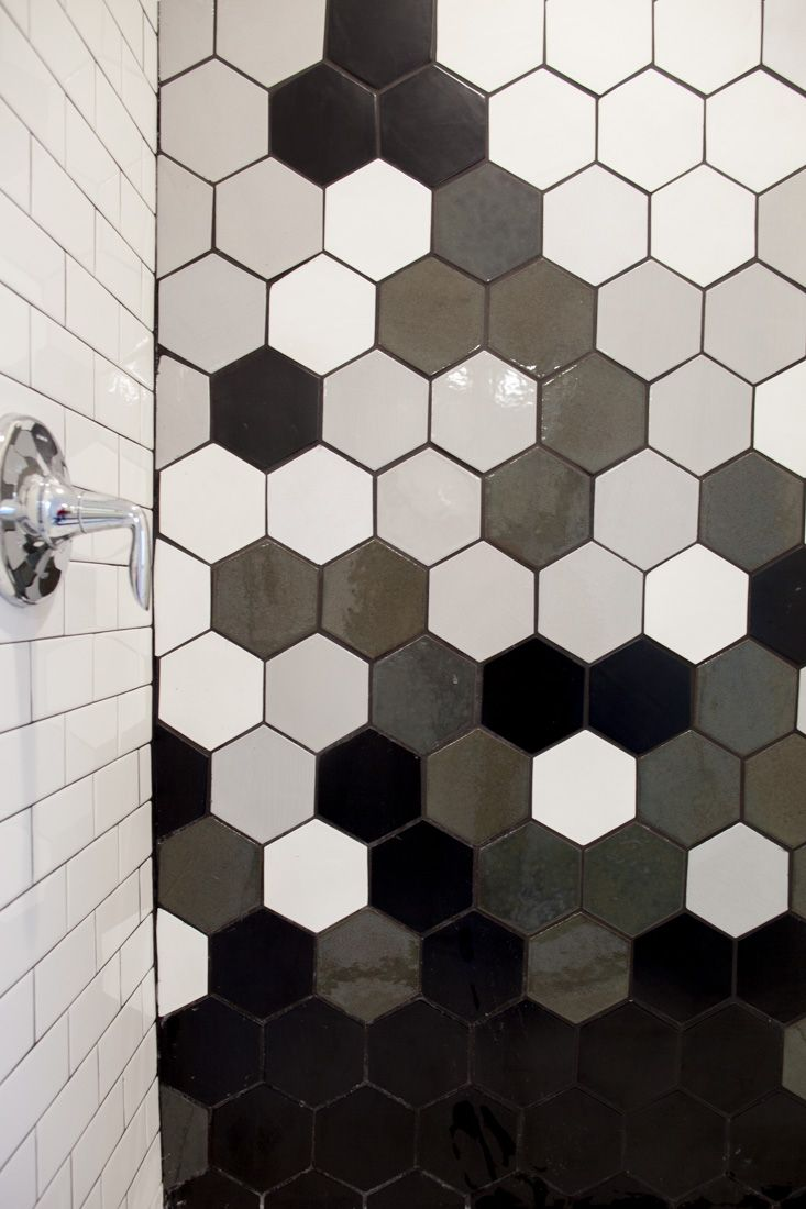 Oh Hey Gradation Black And White Hexagon Tile For A Stunning Shower Large Hexagon 11 Deco White 130 Wh Honeycomb Tile Hexagon Tiles Hexagon Tile Bathroom