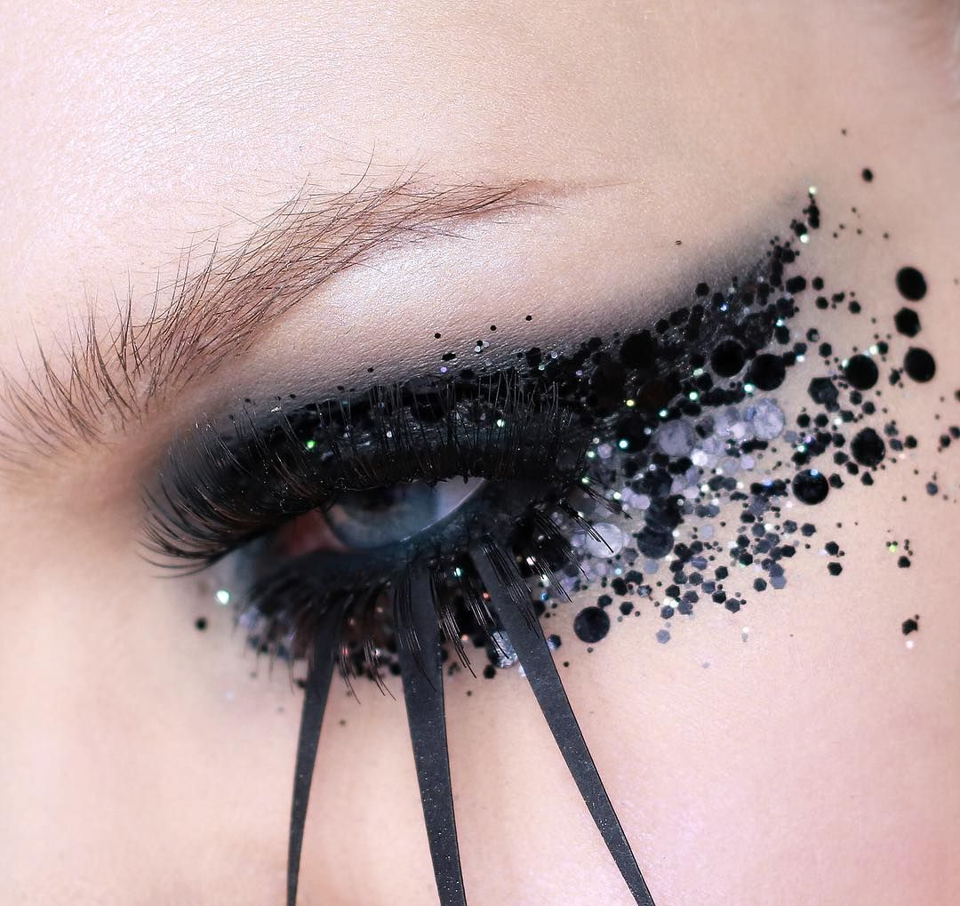 @emilianummelin #glitter #eyes #makeup #art