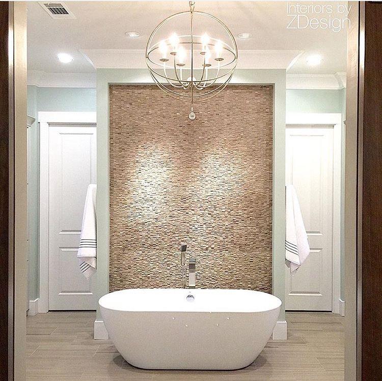 Love it! Diese #badewanne ist perfekt in Szene gestellt, der - lampen fürs badezimmer