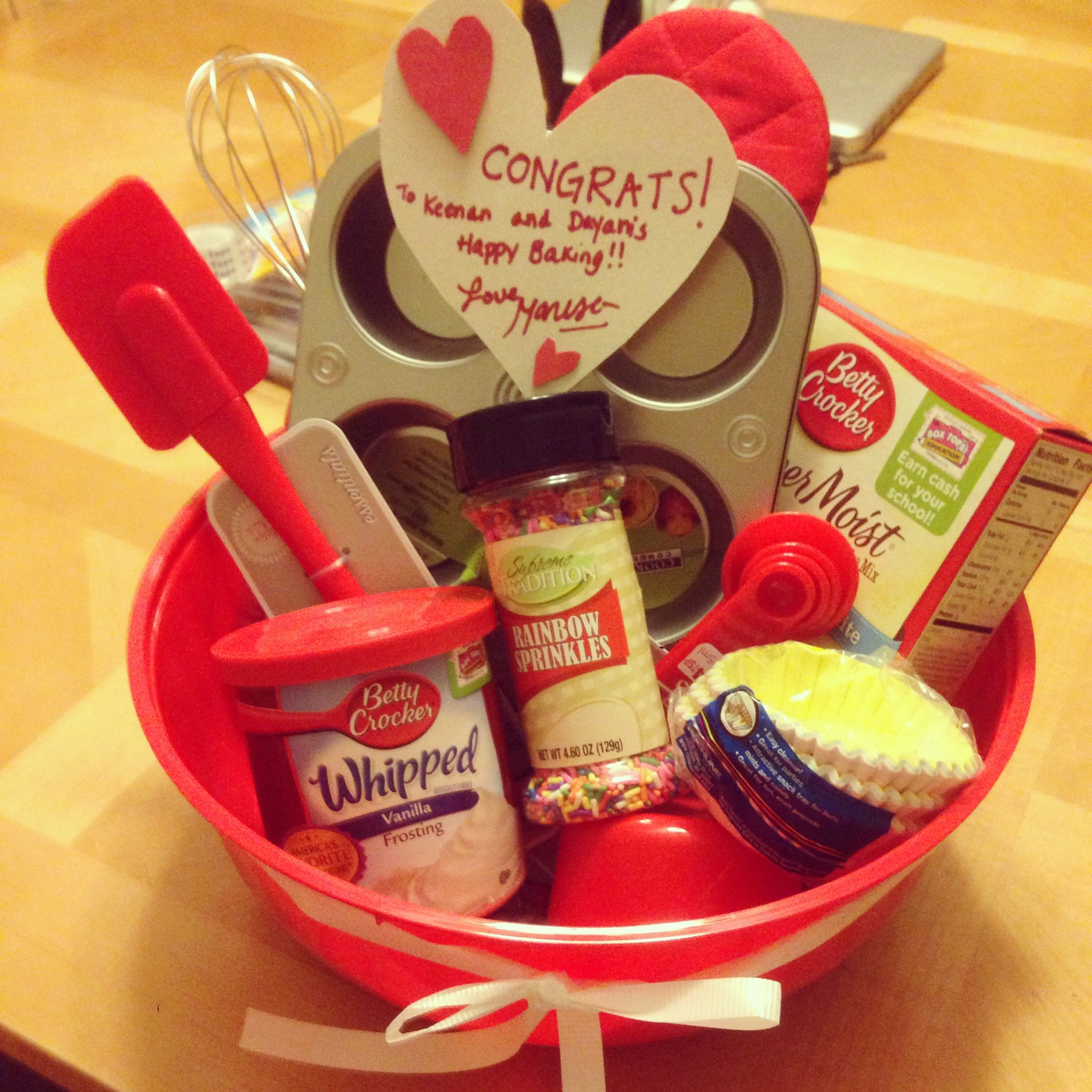 diy dollar store housewarming gift basket from someone who bakes or