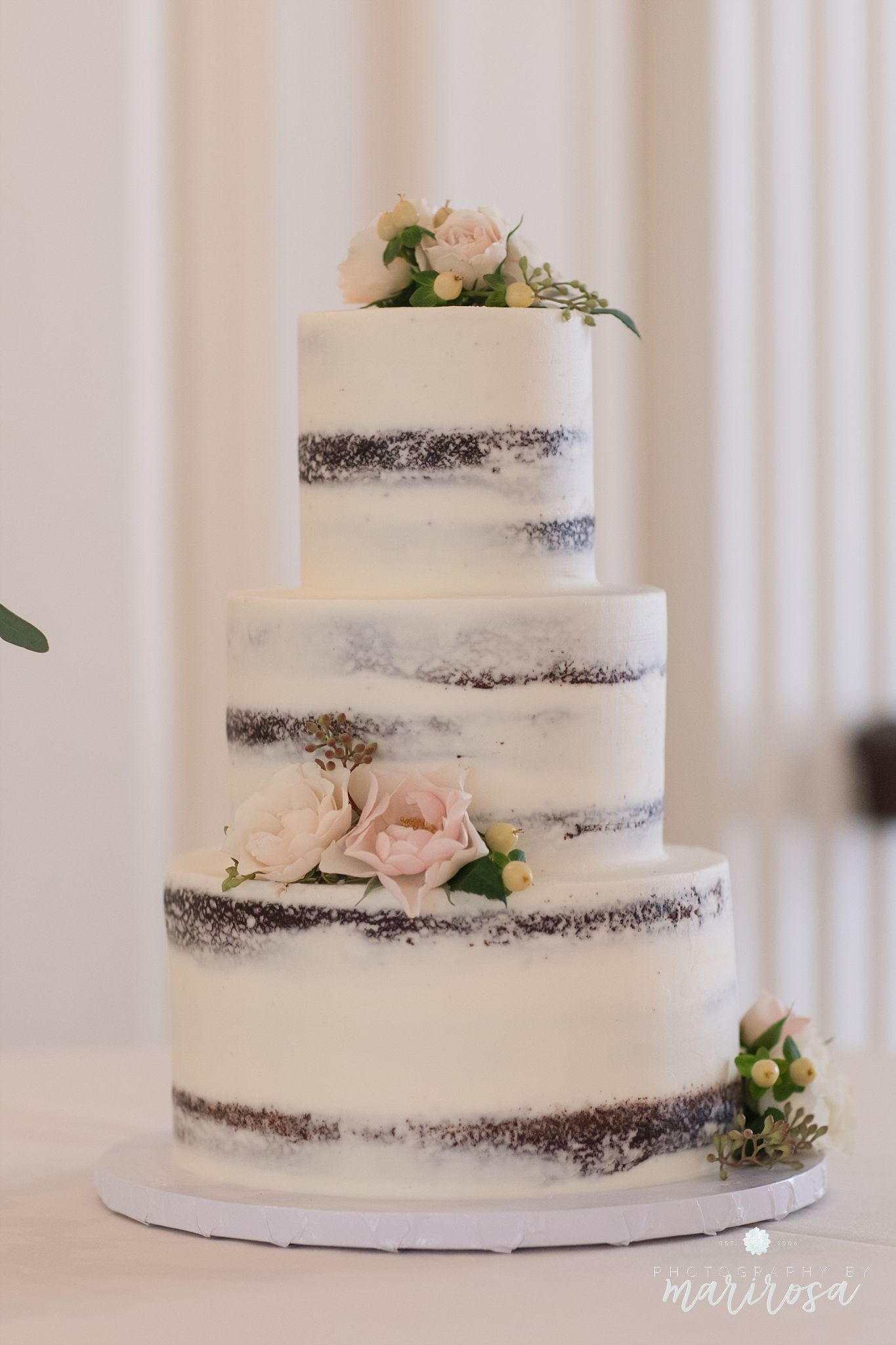 cake by Sweets by E www.photographybymarirosa.com