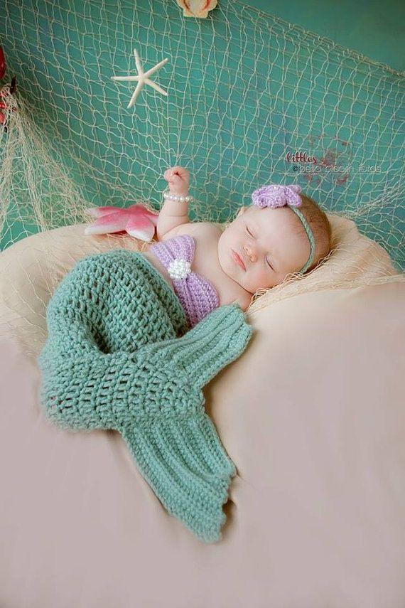 Crocheted Mermaid Tail Newborn Mermaid Outfit door TwoBeanieBums